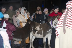 009 Leaving their home to go to Bethlehem 2